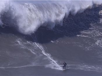 Kiteboarding the biggest waves in the world - Kitesurfing News