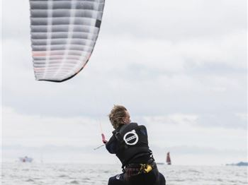 Bridge Bro's Break World Sailing Record on Kites - Kitesurfing News