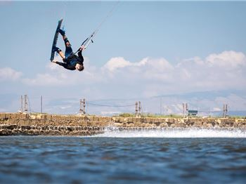 Sands of Time - Futuristic Freestyle by Aaron Hadlow - Kitesurfing News