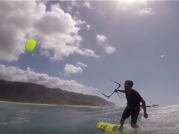 Kiteboarders from 2017, riding a kite from 1996! - Kitesurfing News