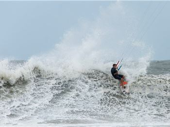 Kevin Langeree Slashes Way to Podium - Kitesurfing News