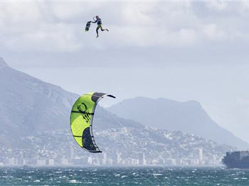 Stir Crazy in Cape Town - Pre King Of The Air. - Kitesurfing News