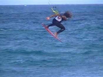 Worlds first Aerial 360 on a Strapless Surfboard - Kitesurfing News