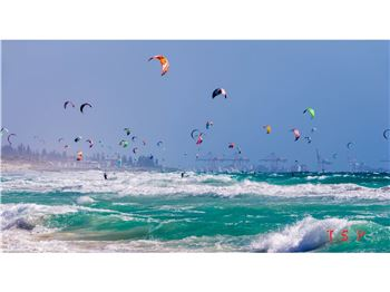 World Class conditions in Perth bring out the kiteboarders - Kitesurfing News
