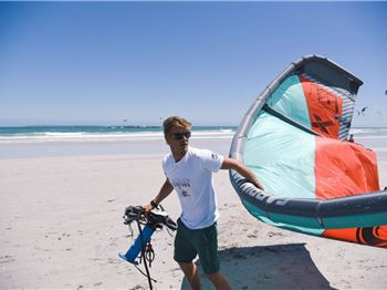 Fly me to the moon - Kiting's strangest video - Kitesurfing News