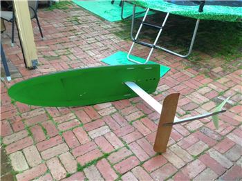 DIY Hydrofoil with an old Skateboard Deck. - Kitesurfing News