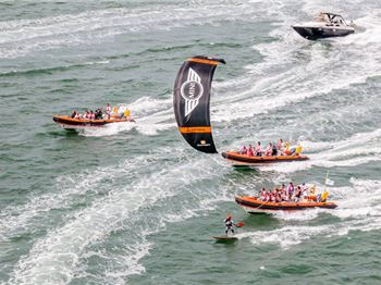 Nearly 900km in one session: Guinness World Record Attempt - Kitesurfing News