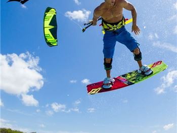 This is Naish's Kiteboarding Moment - 2016 Release - Kitesurfing News